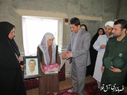 دیدار اعضای ستاد گرامیداشت هفته زن ومقام مادر شهرستان با مادر شهید بایرام آق