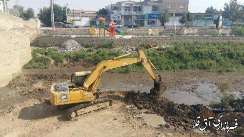 فرماندار شهرستان آق قلا از عملیات مرمت پل باستانی بازدید کرد