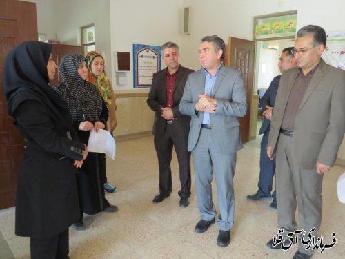 بازدید فرماندار از دبستان شهید مدنی شهر آق قلا