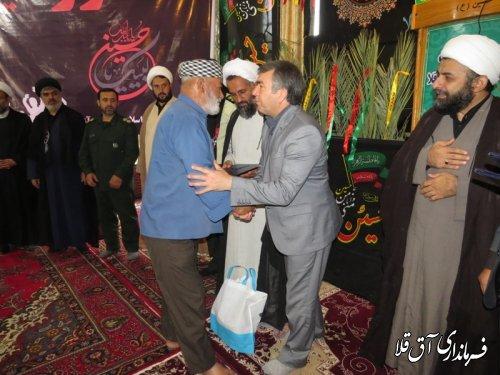 از خانواده های شهدا و جانبازان شهرستان آق قلا تجلیل شد