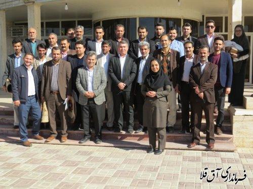 نشست صمیمی فرماندار با کارکنان فرمانداری و بخشداری های تابعه شهرستان آق قلا