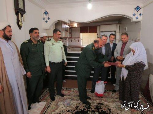 """فرماندار شهرستان آق قلا با خانواده طلبه شهید""""ابوبکر اونق"""" دیدار کرد"""
