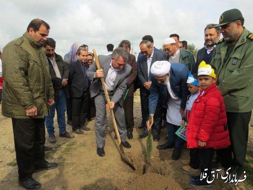 آئین درختکاری در مجموعه سوارکاری شهرستان آق قلا برگزار شد
