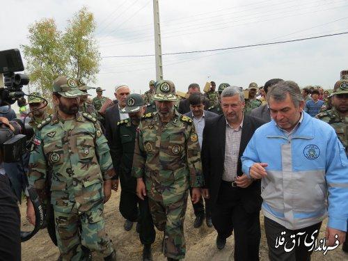 اقلام اهدایی نیروی زمینی در روستای سیل زده چن سولی شهرستان آق قلا توزیع شد