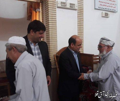 استاندار گلستان در نماز جمعه مسجد عرفانی شهر آق قلا حضور یافت