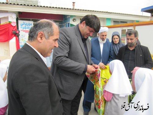 """طرح """"مهربانی در مهر"""" در مدرسه حضرت معصومه(س)شهر سیل زده آق قلا اجرا شد"""