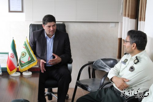 فرماندار و رئیس شورای تامین از کلانتری شهر آق قلا بازدید بعمل آورد