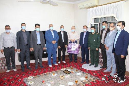 سرپرست فرمانداری با خانواده شهداء و جانبازان شهر آق قلا دیدار کرد